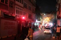 İTFAİYE ARACI - Fatih'te Korkutan Yangın