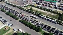 MUSTAFA KORKMAZ - Kapıkule'de Dönüş Yoğunluğu Sürüyor