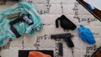 RUHSATSIZ SİLAH - Samsun'da Bir Evde 2 Adet Tabanca Ele Geçti