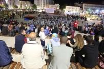 KADİR İNANIR - Sivas'ta Nostaljik Açık Hava Sinemasına Yoğun İlgi