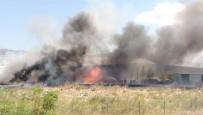 İTFAİYE ARACI - İzmir'deki Fabrika Alev Alev Yandı
