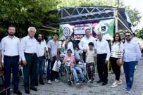 ABDURRAHMAN TOPRAK - Kahta'da Bayram Öncesi Engellilere Kıyafet Yardımı