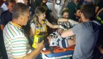 KURUÇEŞME - Kaldırıma Çıkan Otomobil Takla Attı Açıklaması 2 Yaralı