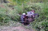 Kastamonu'da Traktör İle Otomobil Çarpıştı Açıklaması 1 Ağır Yaralı