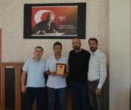 Patnos Gazeteciler Cemiyeti'nden Emniyet Müdürü Akpınar'a Plaket