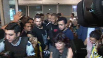 Slimani Fenerbahçe için İstanbul'a geldi