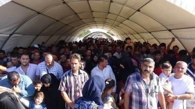 Suriyeliler Öncüpınar'a akın etti