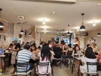 MİDE AMELİYATI - Türk Yemek Kültürünü Tayland'a Taşıdı, Siparişlere Yetişemiyor