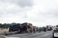 BRUNSWICK - ABD'de Okul Otobüsü Devrildi Açıklaması 20 Çocuk Yaralı
