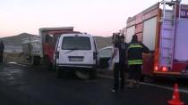 Bayburt'ta Kamyon İle Otomobil Çarpıştı Açıklaması 2 Ölü