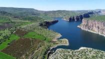 BASRA KÖRFEZI - Fırat Nehri 3 Ülkeye Hayat Veriyor