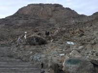 HAREM-İ ŞERİF - Hacı Adaylarının Hira Dağı'na Zorlu Tırmanışı