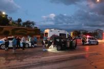 KÜÇÜKYALı - İstanbul'da Feci Kaza Açıklaması 1 Ölü, 2 Yaralı