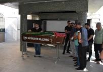 YUSUF ÖZDEMIR - Trafik Kazası Kurbanı Hamile Kadın Son Yolculuğuna Uğurlandı
