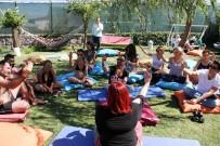KAHKAHA - Türkiye'de İlk, 'Kahkaha Ve Çığlık Meditasyonu'