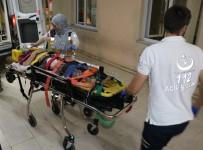 MUSTAFA ERDOĞAN - Çöken Kerpiç Evde Baba Öldü, Kızı Yaralandı