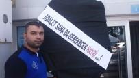 GÜZELYALı - Davayı Kazanan Esnaflardan Belediyeye Siyah Çelenk