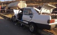 KIRMIZI IŞIK - Kamyon İle Otomobil Çarpıştı Açıklaması 1 Ölü