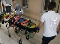 MUSTAFA ERDOĞAN - Kerpiç Ev Mezarı Oldu, Kızı Yaralandı