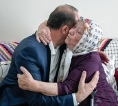 MAMAK BELEDIYESI - Mamak'ta 79 Yaşındaki Ayhan Nineye Sürpriz Ziyaret