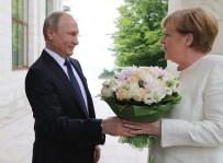 ANGELA MERKEL - Merkel Ve Putin Berlin'de Görüşecek