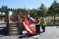 Niğde Belediyesi Parkları Dezenfekte Ediyor