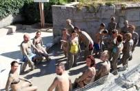 MASAJ - (Özel) Turistler Çamur Banyosuyla Stres Atıyor