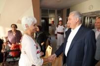 MEVLÜT UYSAL - Başkan Uysal, Kayışdağı Tesisleri'nde Yaşlıları Ziyaret Etti