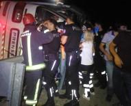 NİLÜFER - Bursa'da Öğrencileri Taşıyan Otobüs Devrildi Açıklaması 1 Ölü, 27 Yaralı
