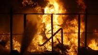 İTFAİYE ARACI - Bursa'da Tüp Deposunda Patlama