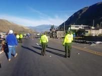 EKVADOR - Ekvador'da Otobüs Kazası Açıklaması 23 Ölü, 14 Yaralı