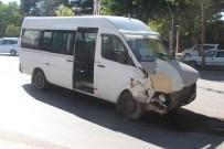 ZÜBEYDE HANıM - Elazığ'da Trafik Kazası Açıklaması 3 Yaralı
