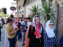 DÖVİZ BÜROSU - Hatay'da Suriyeliler De Döviz Bürolarına Akın Etti