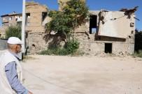 ÇÖKME TEHLİKESİ - SİT Alanındaki Tarihi Evler Tehlike Saçıyor