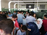 DÖVİZ BÜROSU - Suriyeliler De Döviz Bürolarına Akın Etti