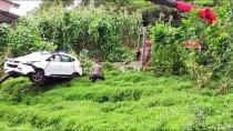 Trabzon'da Otomobil Çay Bahçesine Devrildi Açıklaması 1 Ölü