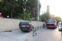 HAYDARPAŞA - Üsküdar'da Otomobil Takla Attı Açıklaması 2 Yaralı