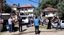 CUMHURIYET ÜNIVERSITESI - Üzerine Evin Çatısı Çöken Baba Defnedildi
