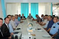 Vali Pehlivan Mahalle Muhtarlarıyla 'Huzur Ve Güvenlik' Toplantısı Gerçekleştirdi
