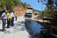 GENÇLİK KOLLARI - Alanya Akçatı-Uğurlu Mahalleleri Grup Yolu Asfaltla Güzelleşiyor