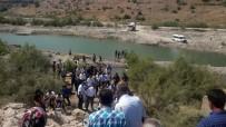 SUDAN - Boğulmak Üzere Olan İki Çocuğu Kurtardı