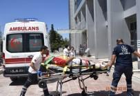 Burdur'da Minibüs Refüje Devrildi Açıklaması 8 Yaralı