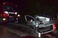Ciple Hafif Ticari Araç Çarpıştı Açıklaması 4 Yaralı