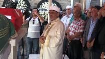 Eski Bakan Özsoy'un Cenazesi Afyonkarahisar'da Toprağa Verildi