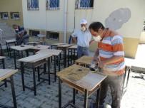 ALI ÖZDEMIR - Fedakar Okul İdarecileri Eski Sıraların Bakım Ve Onarımını Yapıyor