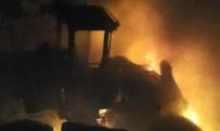 POLİS ÖZEL HAREKAT - Hainler Araçları Ateşe Verdi, EYP Patlattı Açıklaması 2 Asker Yaralı