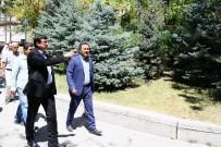 TÜRKISTAN - Keçiören Belediye Başkanı Ak Yol Çalışmalarını Yerinde İnceledi