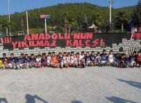 HARUN KARACAN - Küçük Futbolcuların Velilerinden Siyasilere Çağrı