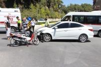 OYMAPıNAR - Otomobil İle Motosiklet Çarpıştı Açıklaması 1 Yaralı