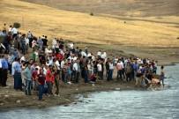 DEVLET HASTANESİ - Serinlemek İçin Girdiği Gölette Can Verdi